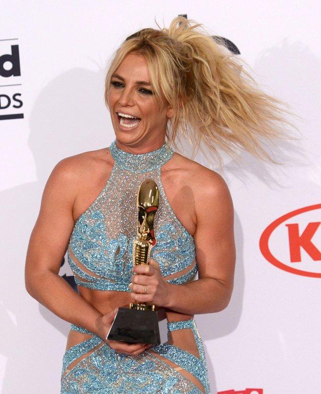 Бритни Спирс и морщины радости на «2016 Billboard Music Awards» в Лас-Вегасе: britney-spears-8_Starbeat.ru