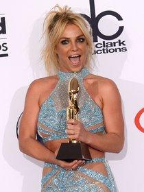 Бритни Спирс и морщины радости на «2016 Billboard Music Awards» в Лас-Вегасе: britney-spears-4_Starbeat.ru