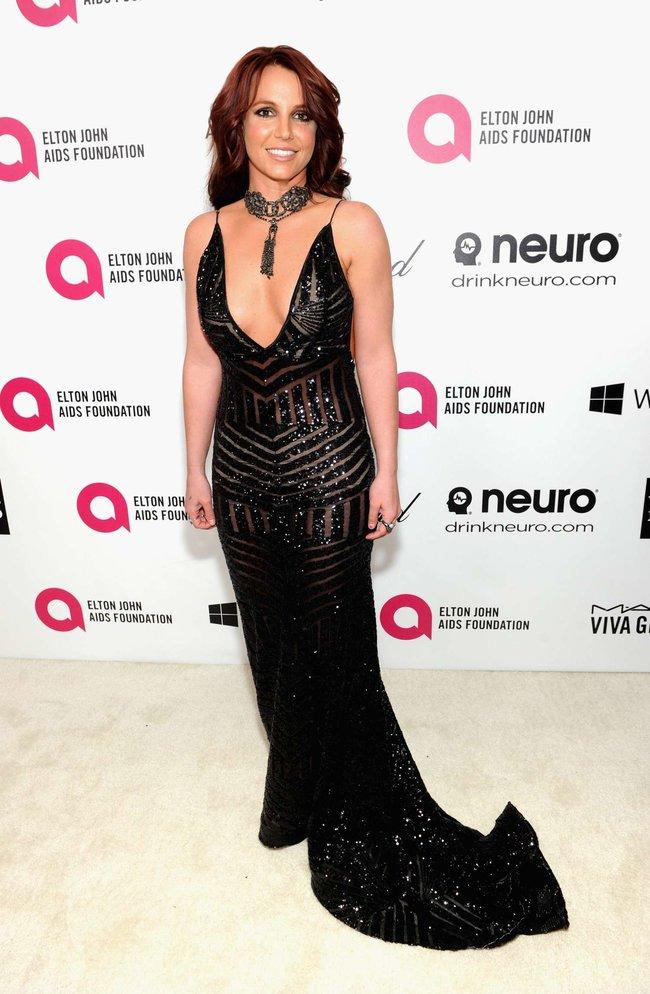 Бритни Спирс на вечере Элтона Джона «Elton John AIDS Foundation Academy Awards»: britney-spears-2013-elton-john-aids-foundation-academy-awards-party--11_Starbeat.ru