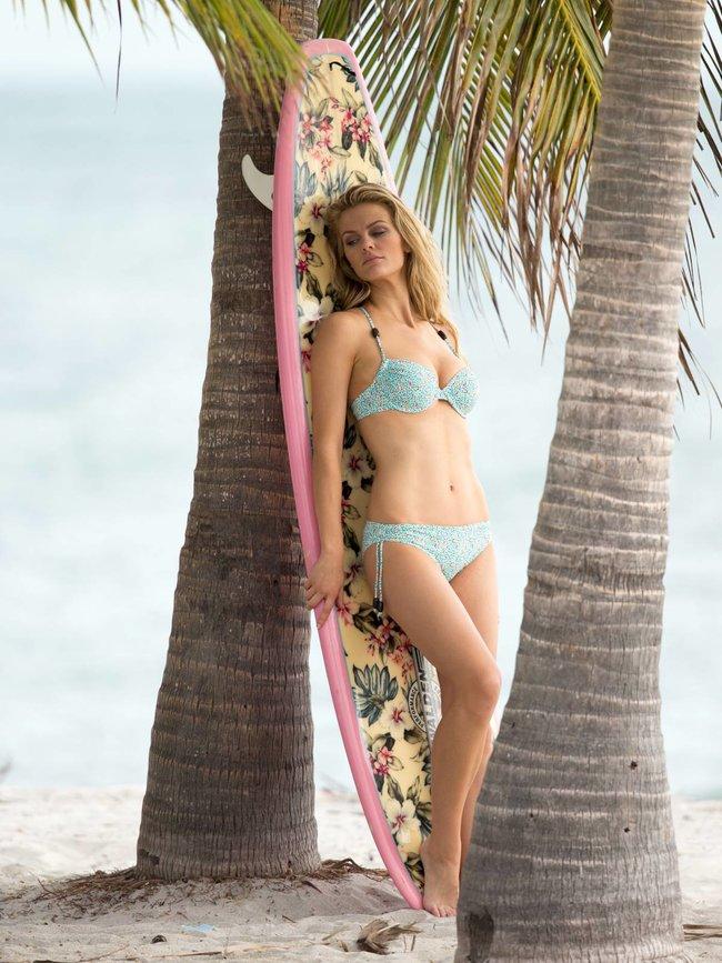 Бруклин Деккер в Майами: съемки фотосессии на пляже: brooklyn-decker-3_Starbeat.ru