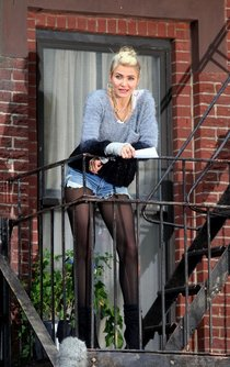 Камерон Диас на съемках фильма «Энни» в Нью-Йорке: cameron-diaz-filming-annie--01_Starbeat.ru