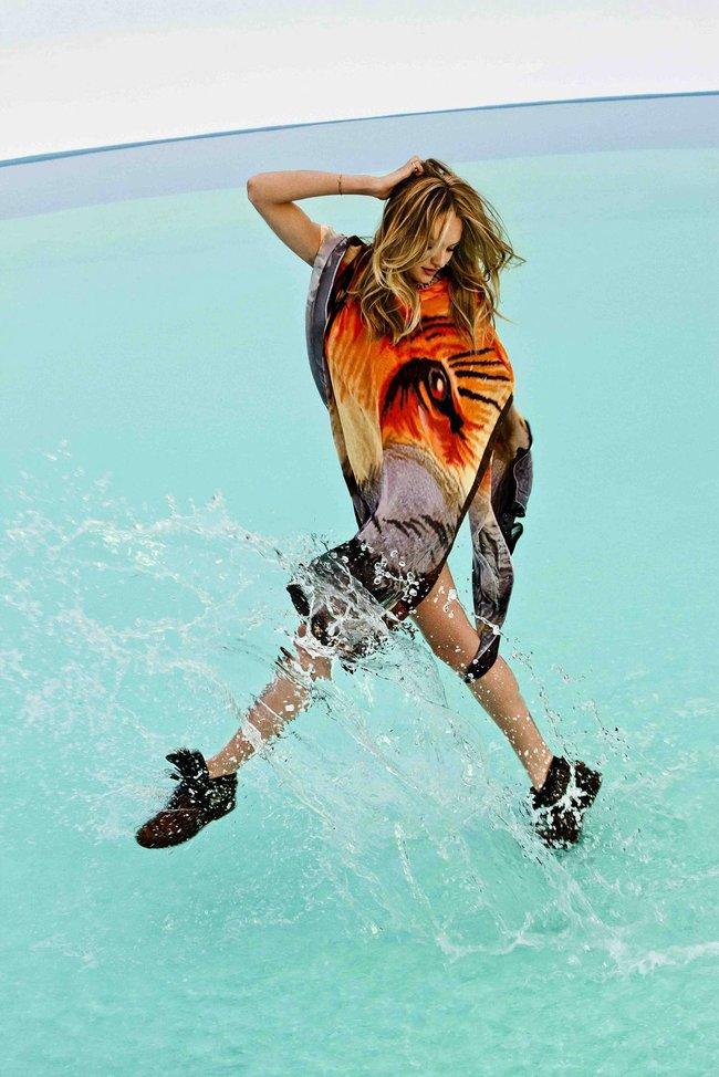 Кэндис Свейнпол в рекламе купальников «Agua Bendita»: candice-swanepoel-95_Starbeat.ru