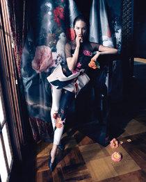 Кэндис Свейнпол в фотосессии для бренда «Blumarine» (осень-зима 2013-2014): candice-swanepoel---blumarine-campaign-by-camilla-akrans-2013--01_Starbeat.ru