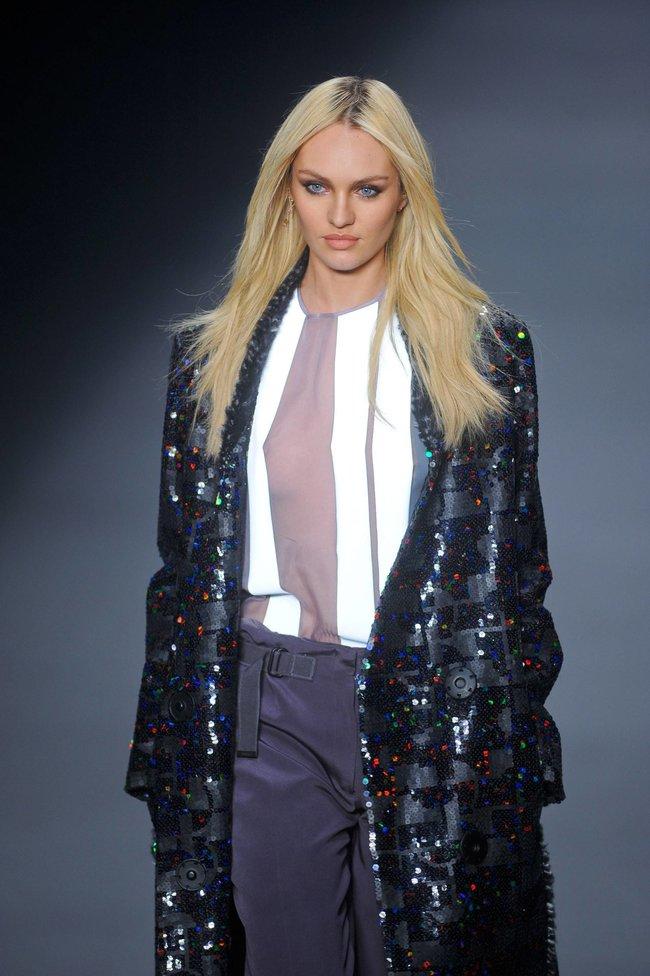 Модный показ «Forum» в Сан-Паулу с Кэндис Свейнпол: candice-swanepoel-204_Starbeat.ru