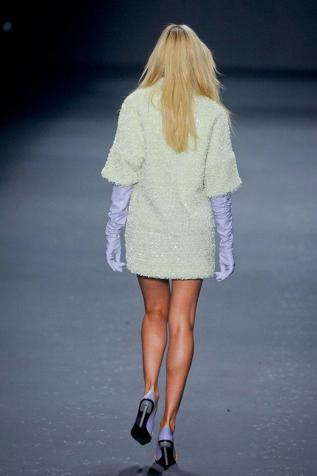 Модный показ «Forum» в Сан-Паулу с Кэндис Свейнпол: candice-swanepoel-414_Starbeat.ru