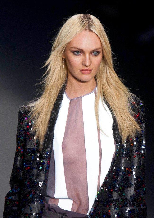 Модный показ «Forum» в Сан-Паулу с Кэндис Свейнпол: candice-swanepoel-76_Starbeat.ru