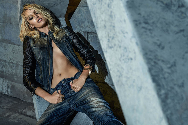 Кэндис Свейнпол украсила страницы зимнего номера журнала «Forum»: candice-swanepoel-forum-magazine-winter-2014--04_Starbeat.ru
