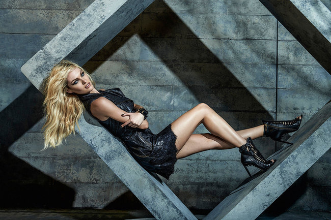 Кэндис Свейнпол украсила страницы зимнего номера журнала «Forum»: candice-swanepoel-forum-magazine-winter-2014--06_Starbeat.ru