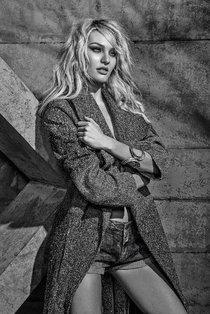 Кэндис Свейнпол украсила страницы зимнего номера журнала «Forum»: candice-swanepoel-forum-magazine-winter-2014--07_Starbeat.ru