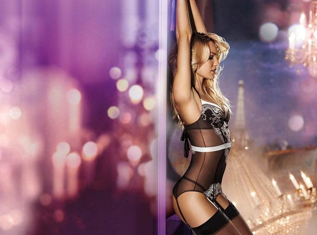 Фотосессия Кэндис Свейнпол для «Victoria's Secret», ноябрь 2013: candice-swanepoel-victorias-secret-lingerie--19_Starbeat.ru