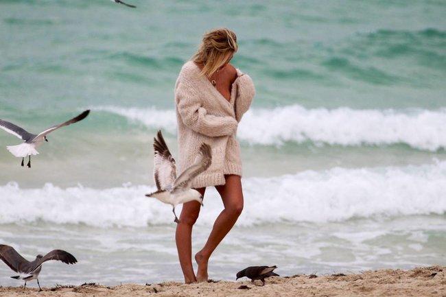Кэндис Свейнпол: съемки для «Victoria's Secret» в Майами: candice-swanepoel-76_Starbeat.ru
