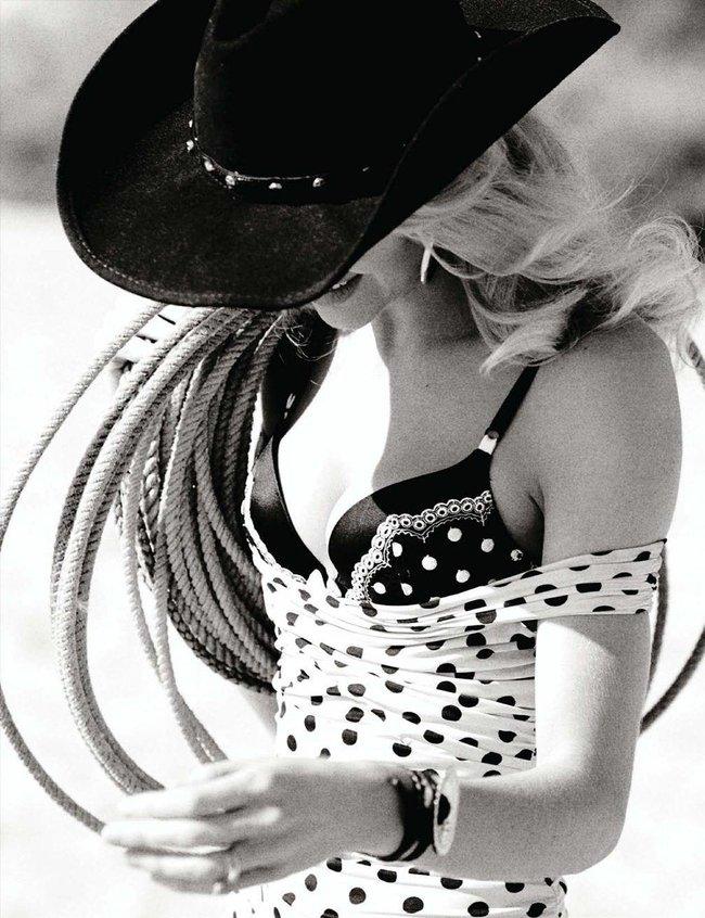 «Vogue Germany» в марте: Кэндис Свейнпол топлесс: candice-swanepoel-115_Starbeat.ru