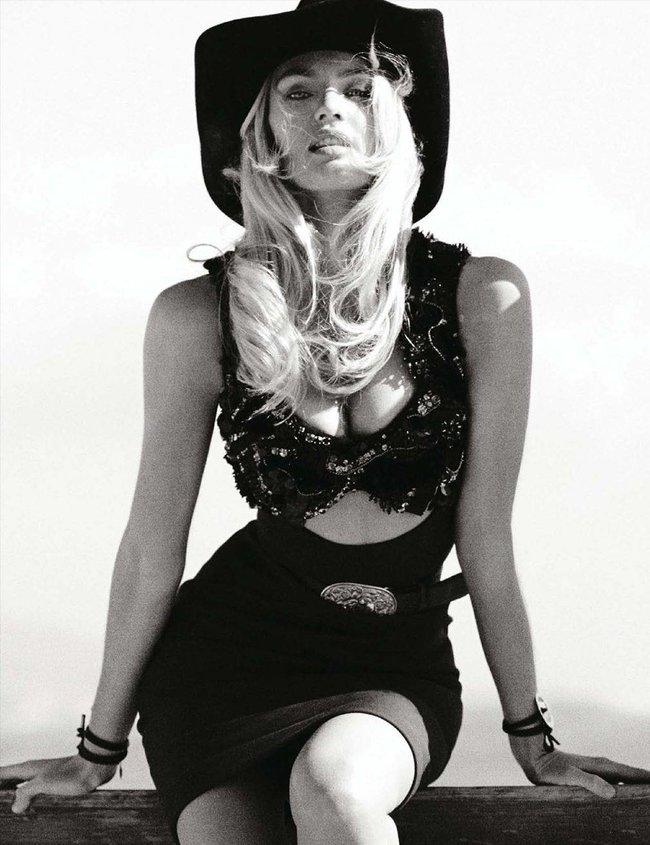 «Vogue Germany» в марте: Кэндис Свейнпол топлесс: candice-swanepoel-310_Starbeat.ru