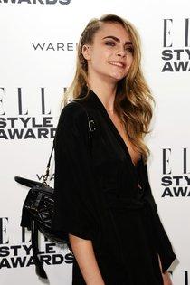 Кара Дельвинь побывала на лондонском вечере «Elle Style Awards 2014»: cara-delevingne-elle-style-awards-2014--01_Starbeat.ru