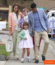 Джессика Альба отметила Пасху всей семьей: jessica-alba-cash-warren-pastels-on-easter-sunday-01_Starbeat.ru