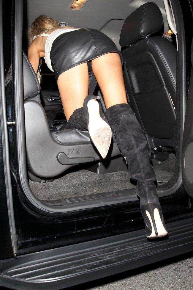 Папарацци заглянули под юбку Шарлотт Мак-Кинни в Лос-Анджелесе: charlotte-mckinney-17-2_Starbeat.ru