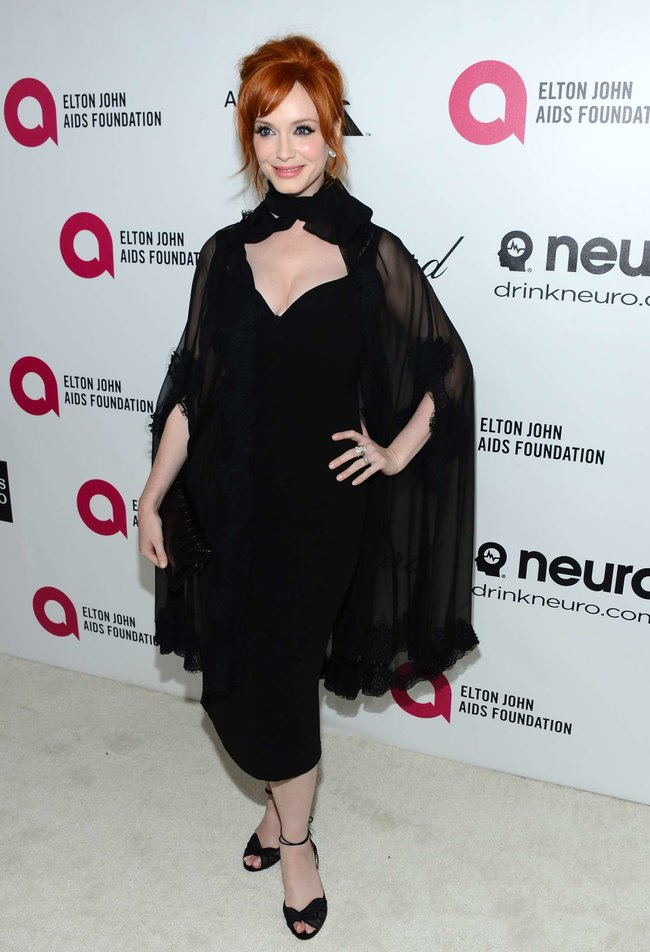 Кристина Хендрикс: благотворительный вечер «Elton John AIDS Foundation»: christina-hendricks-2013-elton-john-aids-foundation-academy-awards-party--04_Starbeat.ru
