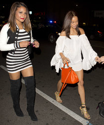 Кристина Милиан направляется в ночной клуб «Warwick»: christina-milian-out-in-mini-dress--01_Starbeat.ru
