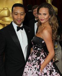 Кристин Тейген с мужем на главной кинопремии года: «Оскар 2014»: oscar-2014-christine-teigen--01_Starbeat.ru