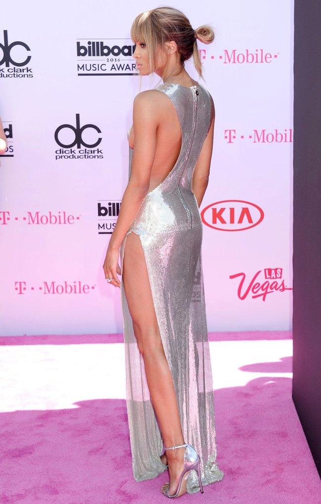 Сиара пытается выдавить улыбку, но ничего не выходит: «2016 Billboard Music Awards» в Лас-Вегасе: ciara-10_Starbeat.ru