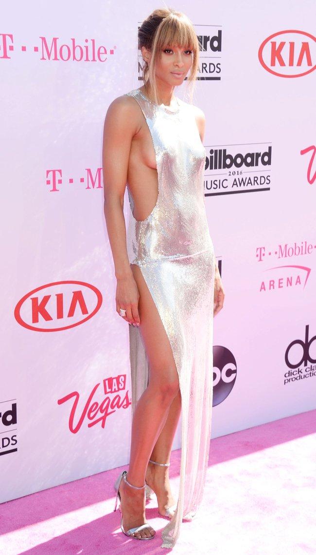 Сиара пытается выдавить улыбку, но ничего не выходит: «2016 Billboard Music Awards» в Лас-Вегасе: ciara-12_Starbeat.ru