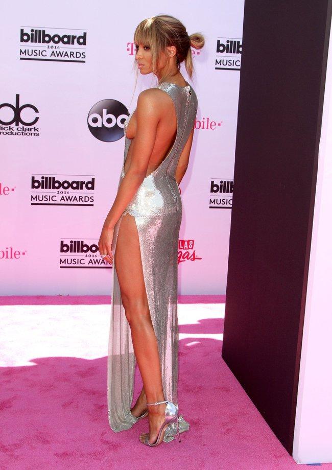 Сиара пытается выдавить улыбку, но ничего не выходит: «2016 Billboard Music Awards» в Лас-Вегасе: ciara-22_Starbeat.ru
