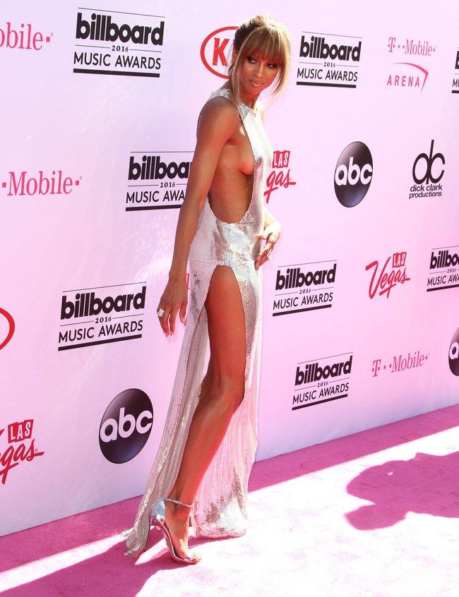 Сиара пытается выдавить улыбку, но ничего не выходит: «2016 Billboard Music Awards» в Лас-Вегасе: ciara-23_Starbeat.ru
