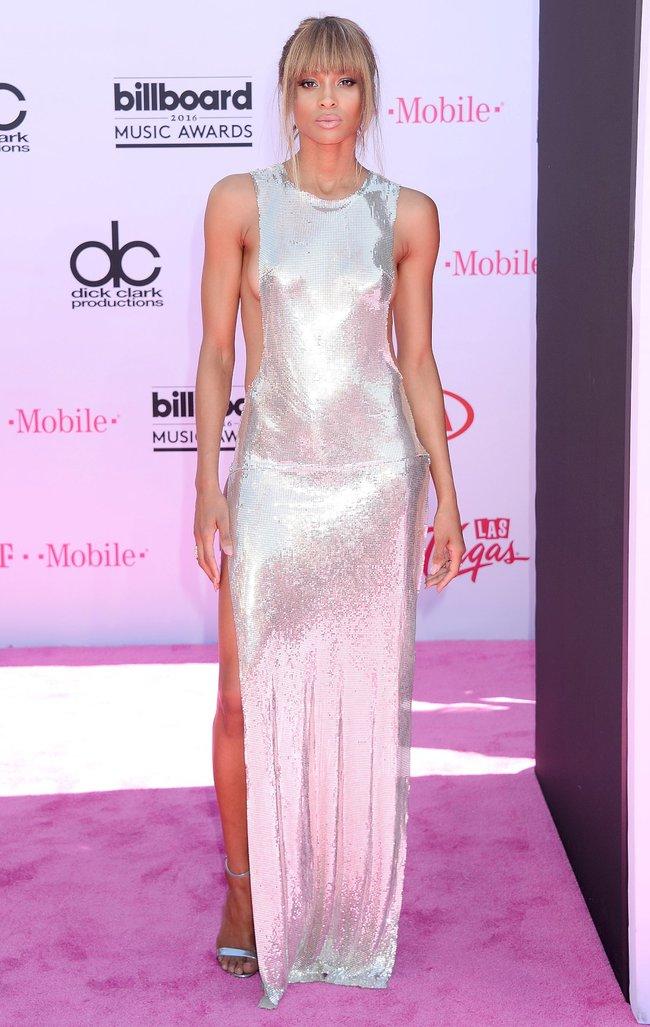 Сиара пытается выдавить улыбку, но ничего не выходит: «2016 Billboard Music Awards» в Лас-Вегасе: ciara-2_Starbeat.ru