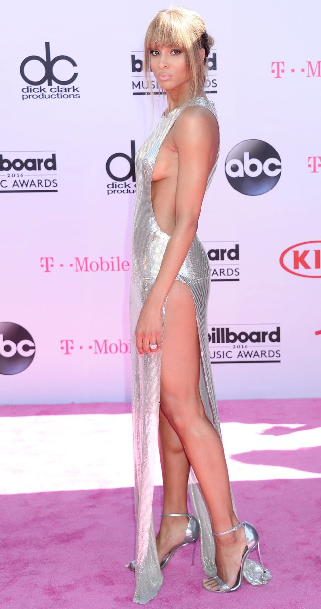 Сиара пытается выдавить улыбку, но ничего не выходит: «2016 Billboard Music Awards» в Лас-Вегасе: ciara-7_Starbeat.ru