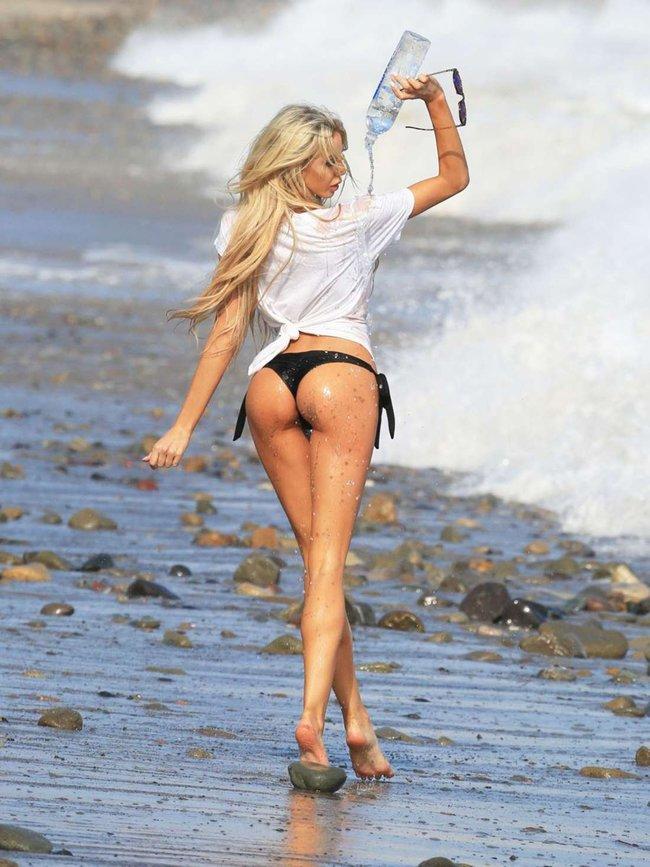 Мочим майку вместе с Дейзи Ли — реклама водички «138 Water Bikini Photoshoot» в Малибу: daisy-lea-15_Starbeat.ru