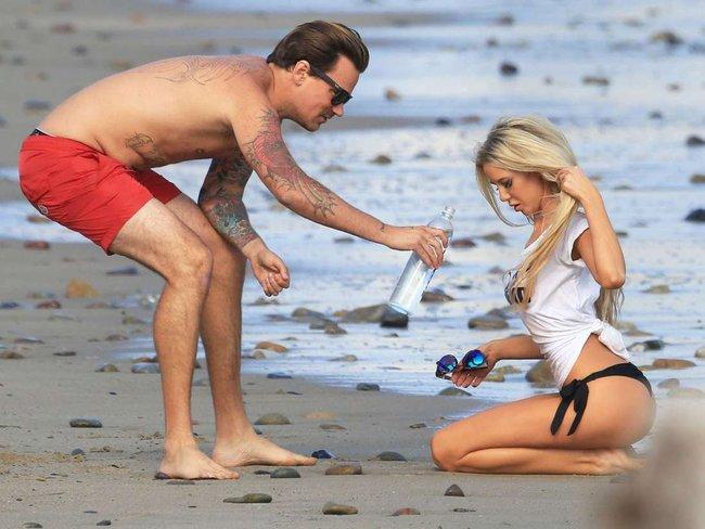Мочим майку вместе с Дейзи Ли — реклама водички «138 Water Bikini Photoshoot» в Малибу: daisy-lea-19_Starbeat.ru