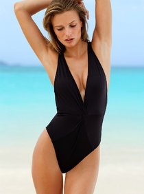 Эдита Вилкевичуте: июньская реклама бикини от «Victoria's Secret»: edita-vilkeviciute-in-bikini-for-vs-photoshoot---june-2013--01_Starbeat.ru