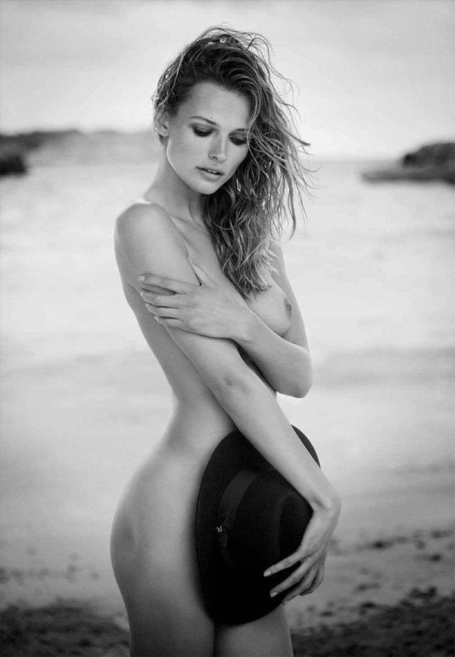 Полуобнажённая Эдита Вилкевичуте и чёрно-белые фото для «Vogue Germany» (июль 2016): edita-vilkeviciute-9_Starbeat.ru