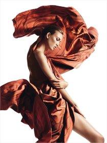 Карли Клосс в фотосессии для «Harper's Bazaar Spain»: karlie_kloss_harpers_bazaar_spain_hermes_01_Starbeat.ru