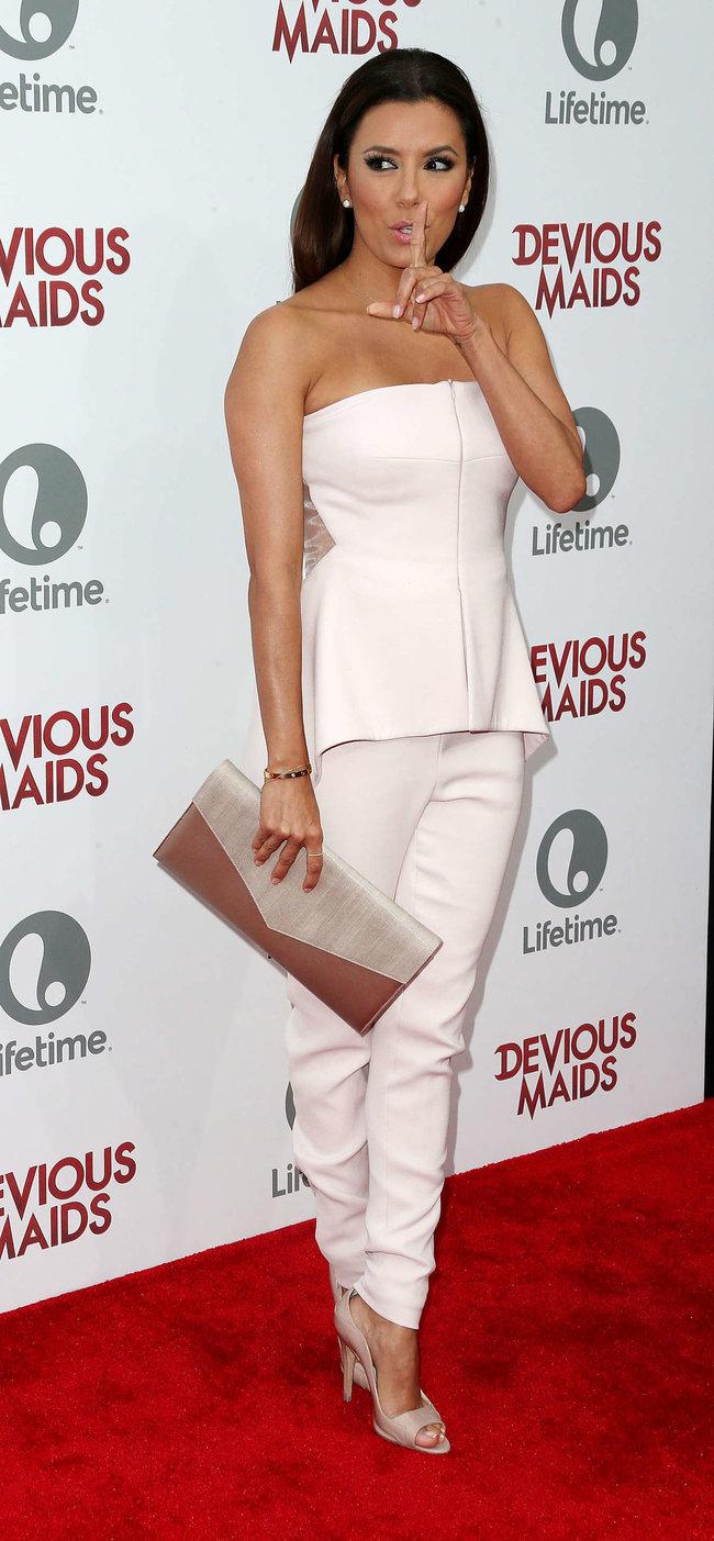 Ева Лонгория на премьере телесериала «Коварные горничные», Лос-Анджелес: eva-longoria---devious-maids-premiere--05_Starbeat.ru