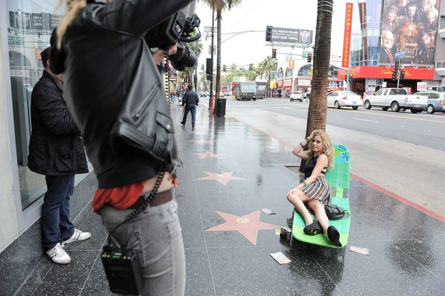 Джорджия Мэй Джаггер на съемках рекламной кампании «Material Girl»: georgia-may-jagger-material-girl-2013-campaign--12_Starbeat.ru