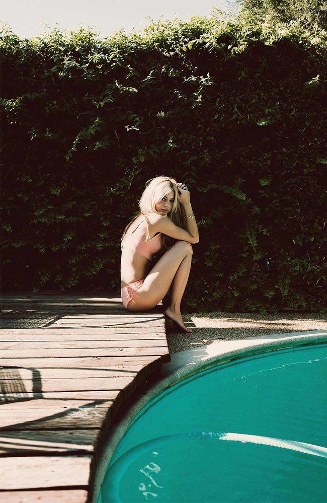 Почти голая Ханна Киркели в фотосессии Ларсена Сотело: hannah-kirkelie-16_Starbeat.ru