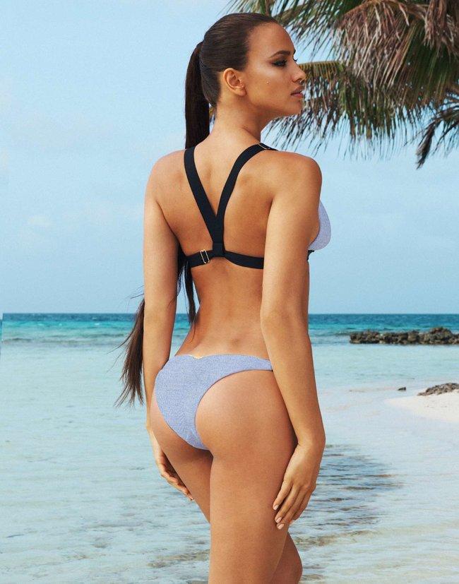 «Beach Bunny»: бикини-фотосессия Ирины Шейк (март 2014): irina-shayk-beach-bunny-bikini--03_Starbeat.ru