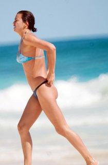 Фотографы запечатлели Ирину Шейк на пляжном отдыхе в Мексике : irina-shayk-1_Starbeat.ru