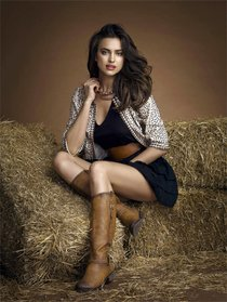 Модель Ирина Шейк в рекламе обуви «Xti»: irina-shayk-11_Starbeat.ru