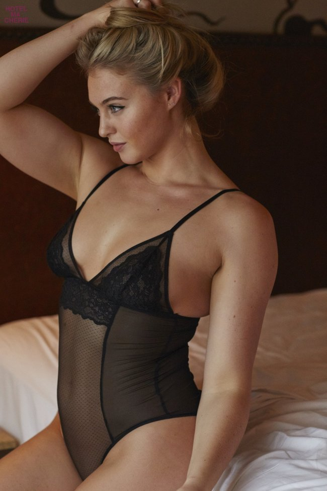Искра Лоуренс выкаблучивается в отеле «Hotel Ma Cherie»: iska-lawrence-26_Starbeat.ru