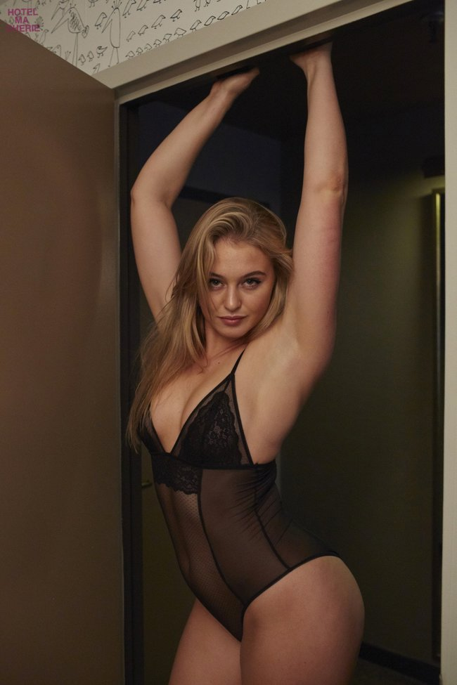 Искра Лоуренс выкаблучивается в отеле «Hotel Ma Cherie»: iska-lawrence-37_Starbeat.ru