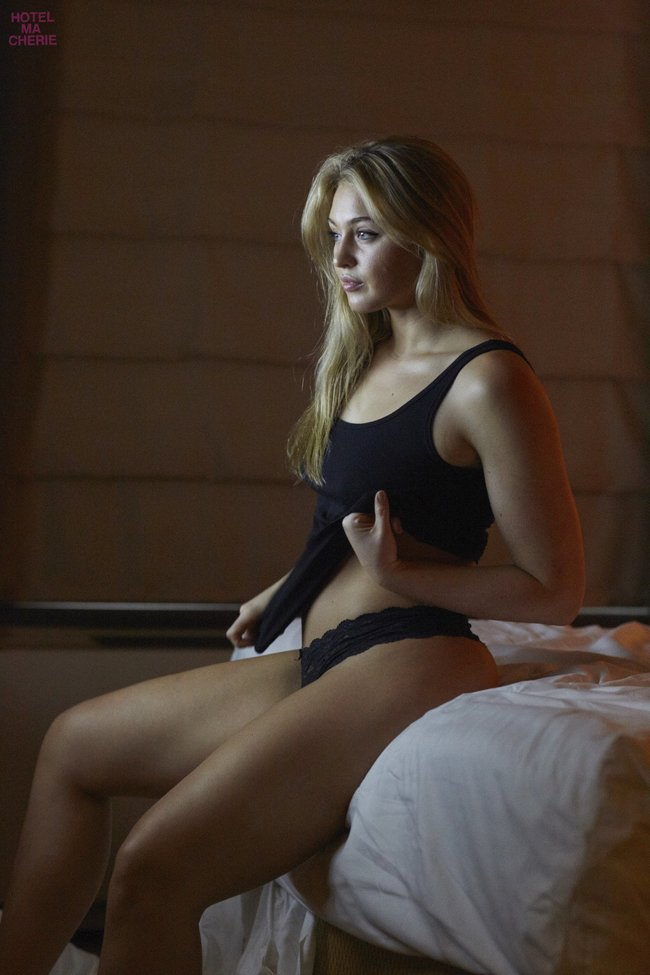 Искра Лоуренс выкаблучивается в отеле «Hotel Ma Cherie»: iska-lawrence-47_Starbeat.ru
