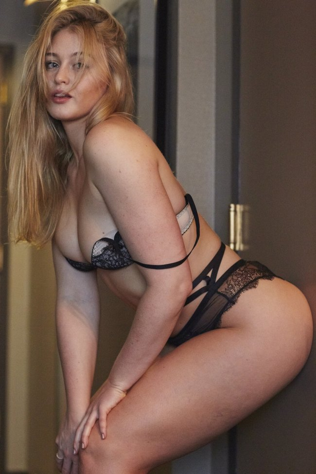 Искра Лоуренс выкаблучивается в отеле «Hotel Ma Cherie»: iska-lawrence-9_Starbeat.ru