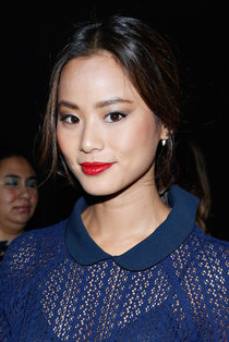 Модный показ «Charlotte Ronson» в Нью-Йорке: Джейми Чунг: jamie-chung-2014-fashion-show-in-nyc---charlotte-ronson-01_Starbeat.ru