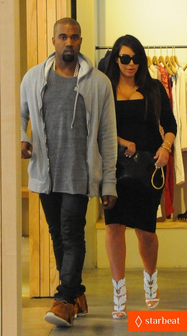 Ким Кардашьян и Канье Уэст снова вместе после долгой разлуки: pregnant-kim-kardashian-kanye-west-reunite-in-nyc-02_Starbeat.ru
