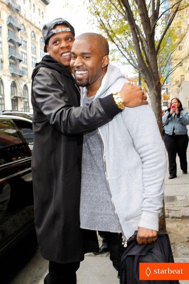 Ким Кардашьян и Канье Уэст снова вместе после долгой разлуки: pregnant-kim-kardashian-kanye-west-reunite-in-nyc-04_Starbeat.ru