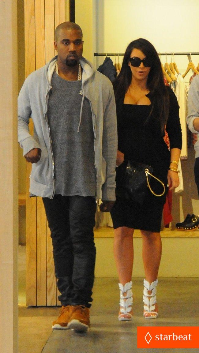 Ким Кардашьян и Канье Уэст снова вместе после долгой разлуки: pregnant-kim-kardashian-kanye-west-reunite-in-nyc-14_Starbeat.ru