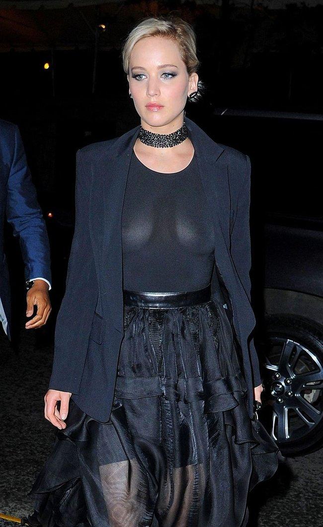 Новости из Нью-Йорка: Дженнифер Лоуренс забыла лифчик дома, соски смотрят на нас в недоумении: jennifer-lawrence-11-2_Starbeat.ru