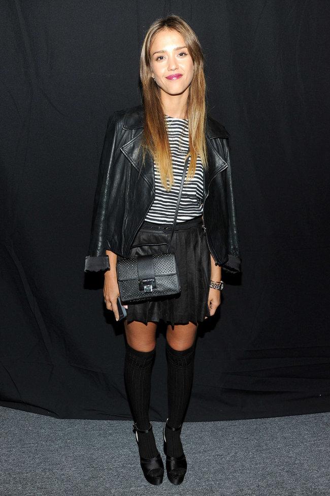 Модный показ от «Charlotte Ronson» в Нью-Йорке: прелестная гостья Джессика Альба: jessica-alba---2013-charlotte-ronson-fashion-show-in-ny--03_Starbeat.ru
